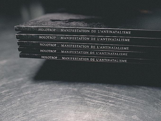 Manifestation De L'Antinatalisme by Holotrop